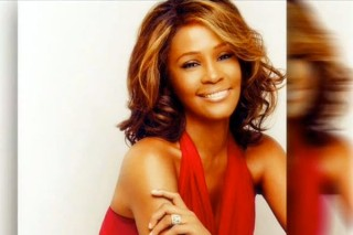 """R. Kelly Adds Vocals To Whitney Houston's """"I Look To You"""": Watch The Lyric Video"""