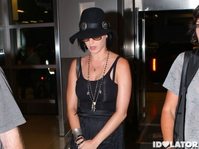 Semi-Exclusive... Katy Perry Catching A Flight To Brazil In Miami