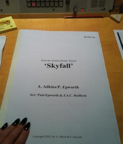 Adele Tweets Skyfall Pic