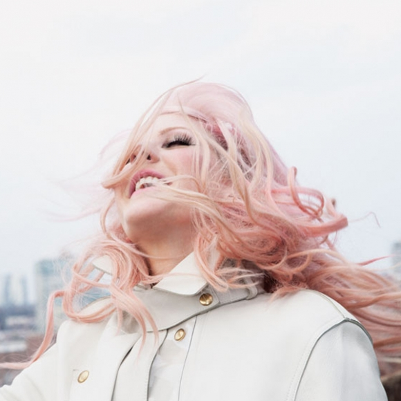 Ellie Goulding Is Perfectly Pink In 'Paper'