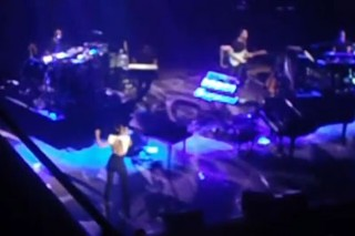 """Alicia Keys' """"Listen To Your Heart"""": Watch The John Legend-Penned Song's Live Debut"""