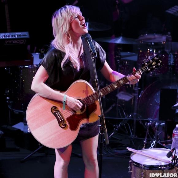 Ellie Rocks The Troubadour