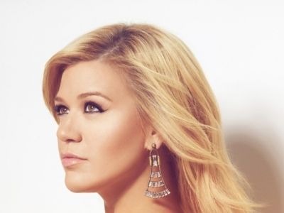 Kelly Clarkson Greatest Hits Chapter One Promo Photo