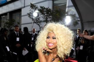 2012 American Music Awards: Nicki Minaj Shows Off Her Va Va Voom & Hangs With Xtina