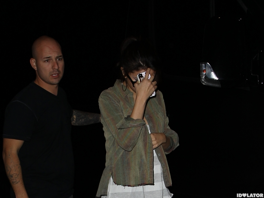 Justin Bieber and Selena Gomez Exit Benihana Separately
