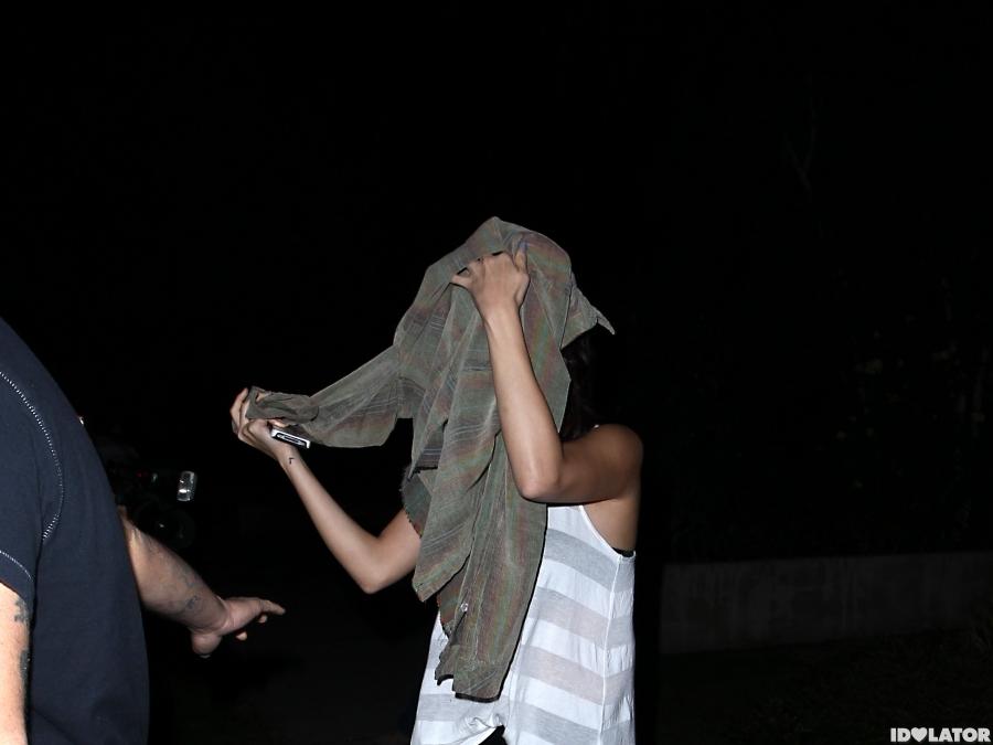 Justin Bieber and Selena Gomez Exit Benihana Separately