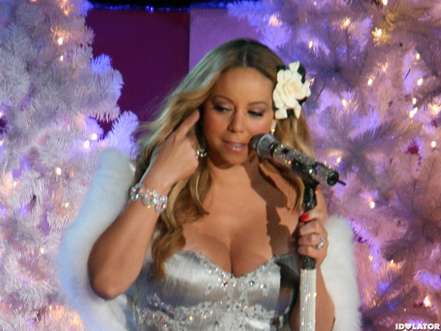 Mariah Carey Performs For 'Christmas In Rockefeller Center'