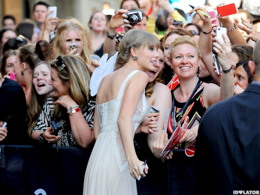 Taylor Swift Arrives At ARIA Awards