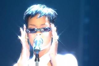 "Rihanna Performs ""Stay"" On 'X Factor' UK, ""Diamonds"" On 'Wetten, Dass…?'"