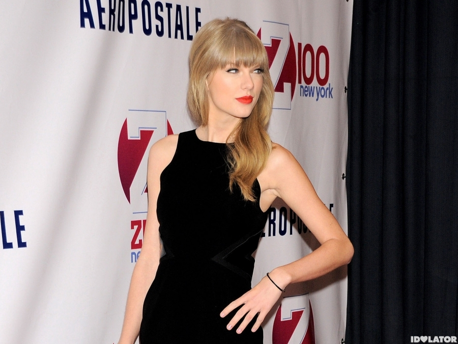 Taylor Swift Arrives At Z100's Jingle Ball