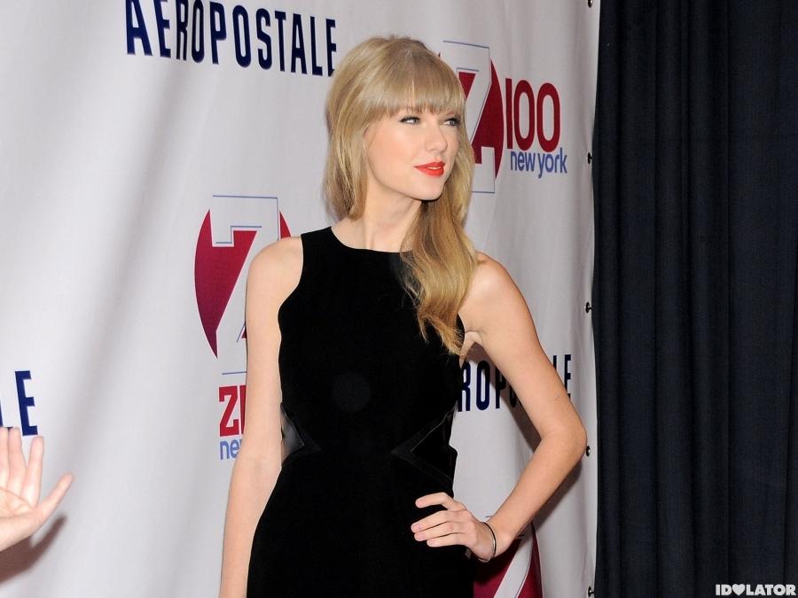 Taylor Swift Arrives At Z100's Jingle Ball