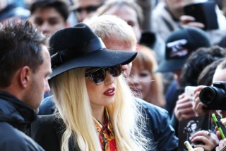 """Lady Gaga Has """"The Worst Fans In The World,"""" According To Kelly Osbourne: Morning Mix"""