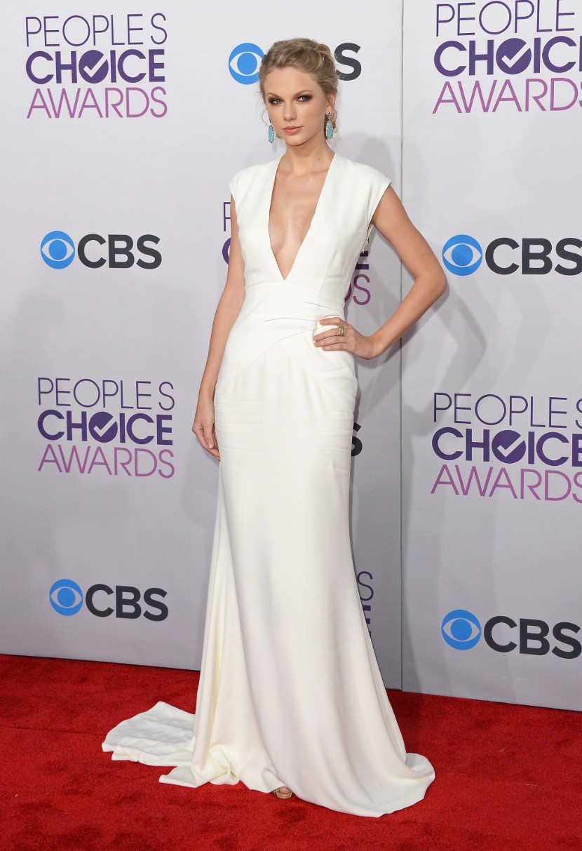 People's Choice Awards 2013: Taylor Swift Wears A White ...
