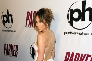 Jennifer Lopez Arrives At 'Parker' Premiere In Las Vegas And Jaws Hit The Floor