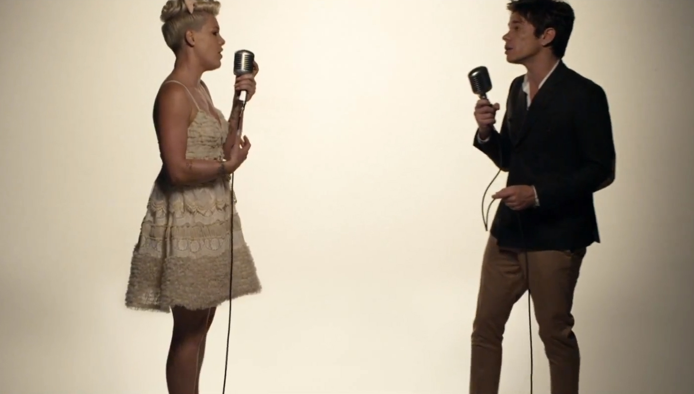 """Pink's """"Just Give Me A Reason"""" Video: Watch Her Sing-Argue ..."""