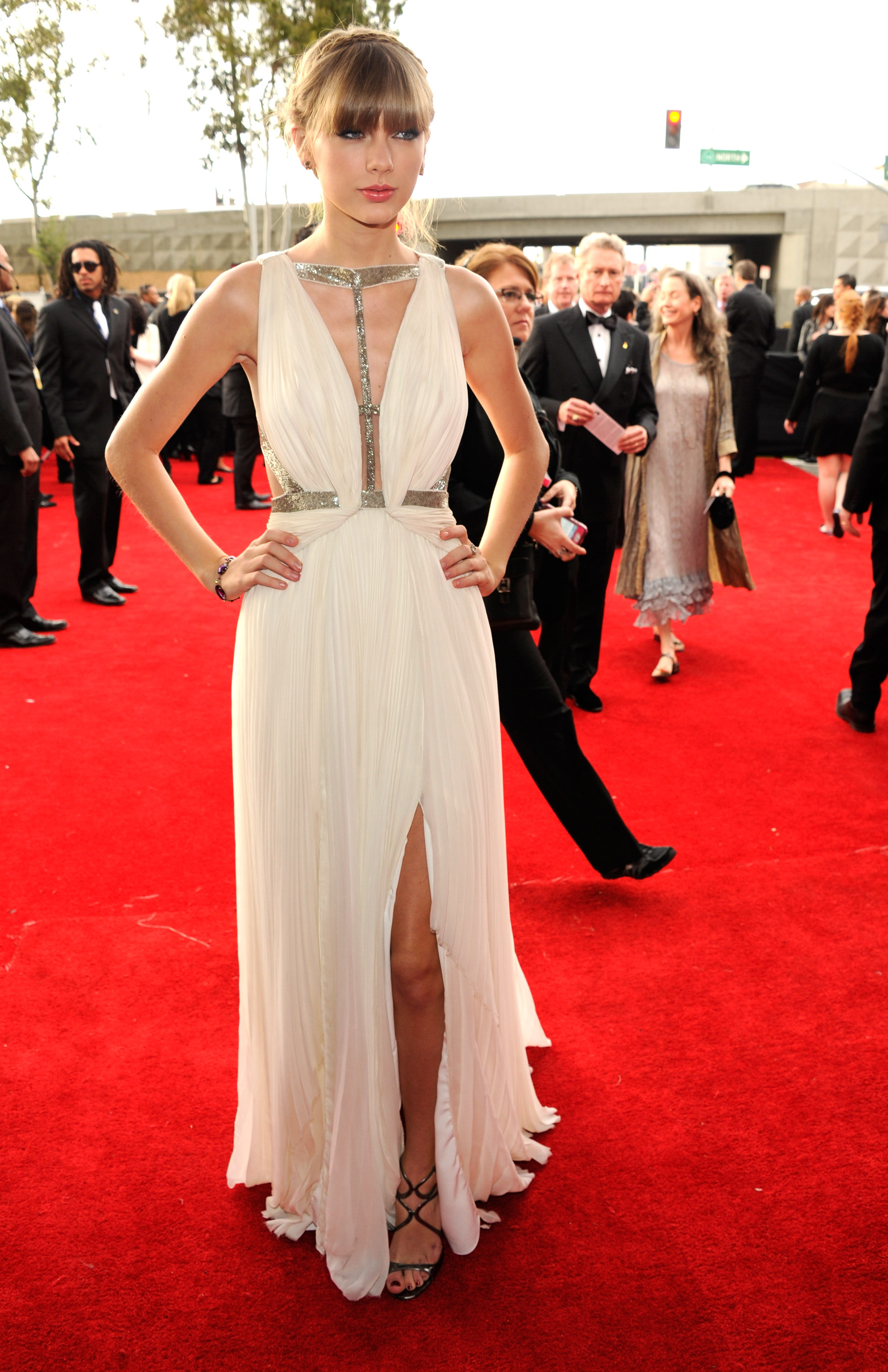Grammy Awards 2013 Taylor Swift S Troubling Red Carpet