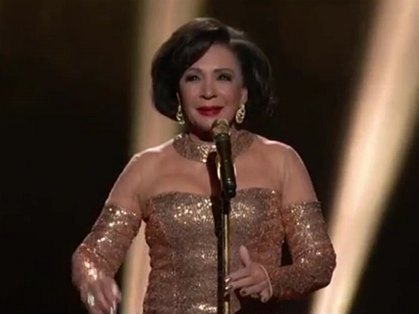 Shirley Bassey Oscars Academy Awards 2013 Goldfinger James Bond