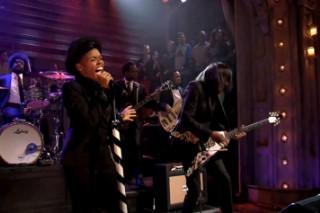 "Watch Janelle Monae Cover Jimi Hendrix's ""Little Wing"" On 'Late Night'"
