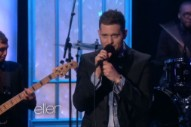 "Michael Buble Performs ""It's A Beautiful Day"" Live On 'Ellen': Watch"