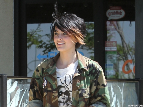 Paris Jackson & Mother Debbie Rowe Out For Lunch In Palmdale
