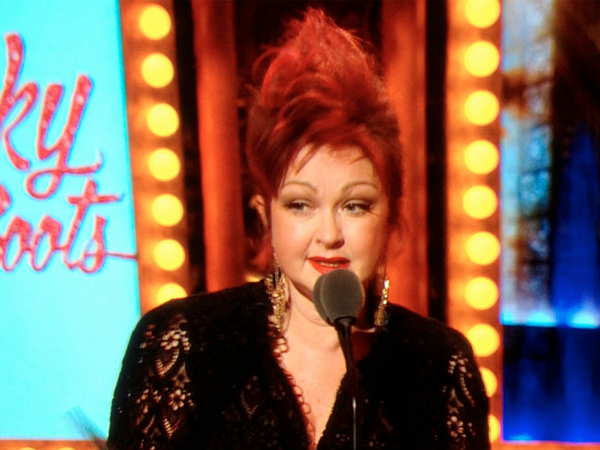 Cyndi lauper wins best score tony award for kinky boots for Kinky boots cyndi lauper