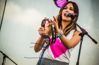 Bonnaroo 2013: Kacey Musgraves Follows Her Arrow (With A Tambourine, No Less)