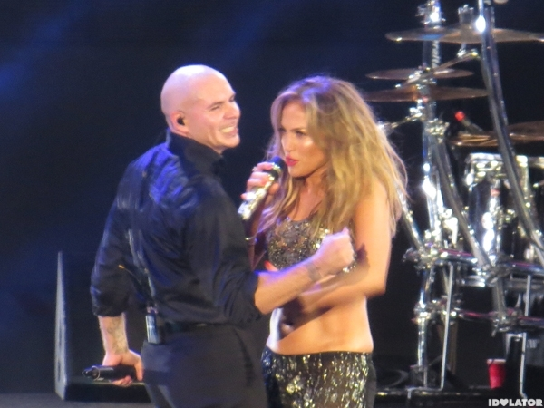 J.Lo Lives It Up With Pitbull