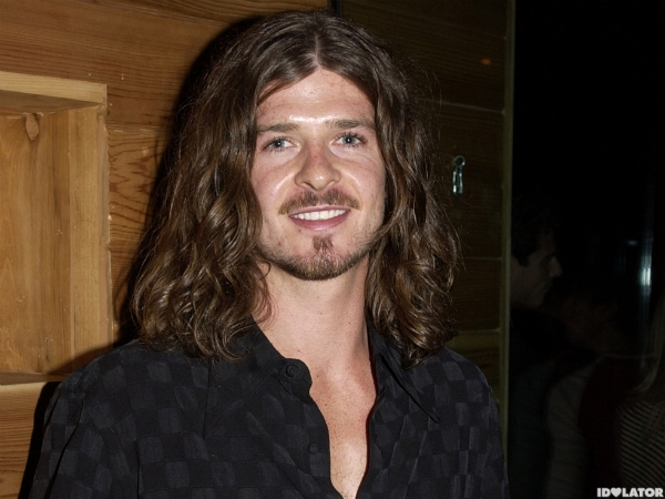 robin thicke long hair