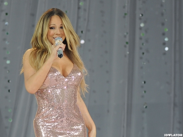 Mariah Carey Performs Live On 'Good Morning America'