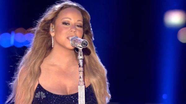 Mariah Carey, Taylor Swift, Selena Gomez, Cher Perform At ... Mariah Carey Hero