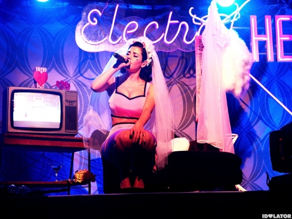 Marina and the Diamonds Electra Heart Photo