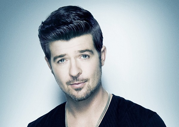 robin thicke promo photo blue background