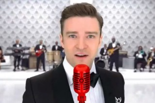 Justin Timberlake & 150 Fans Filmed A Target Ad At Hoboken's Legendary Maxwell's On Wednesday