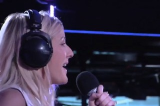 "Ellie Goulding Covers Justin Timberlake's ""Mirrors"" For BBC Radio 1's Live Lounge: Watch"