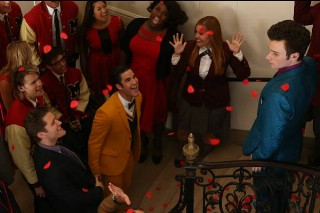 'Glee':  Season 5 Premieres Without Cory Monteith & Teaches That All You Need is Love