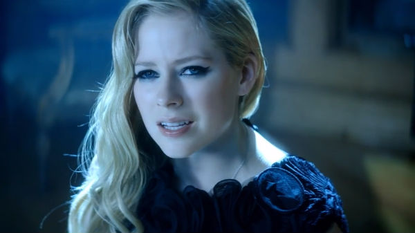 """Avril Lavigne Gets Melodramatic With Chad Kroeger In """"Let Me Go"""" Video: Watch"""