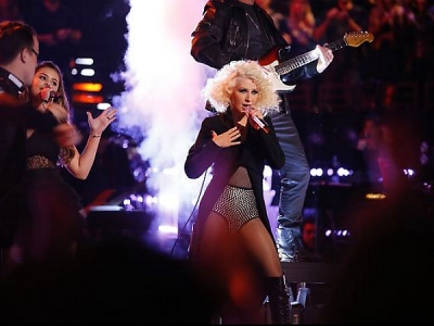 'The Voice': Christina Aguilera & Her Team Perform A Jackson Medley