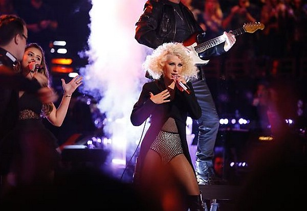 christina aguilera the voice michael jackson medley 2013
