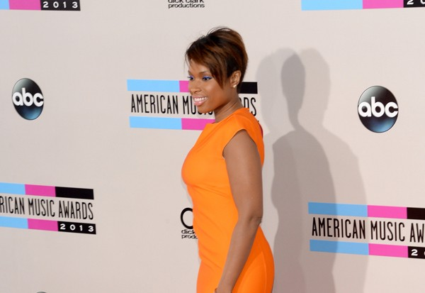 Pop Star Fashion At The 2013 AMAs