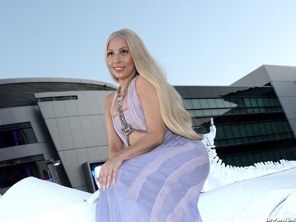Lady Gaga Rides A Mechanical Horse To The AMAs