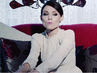Sophie Ellis-Bextor Keeps It Simple An