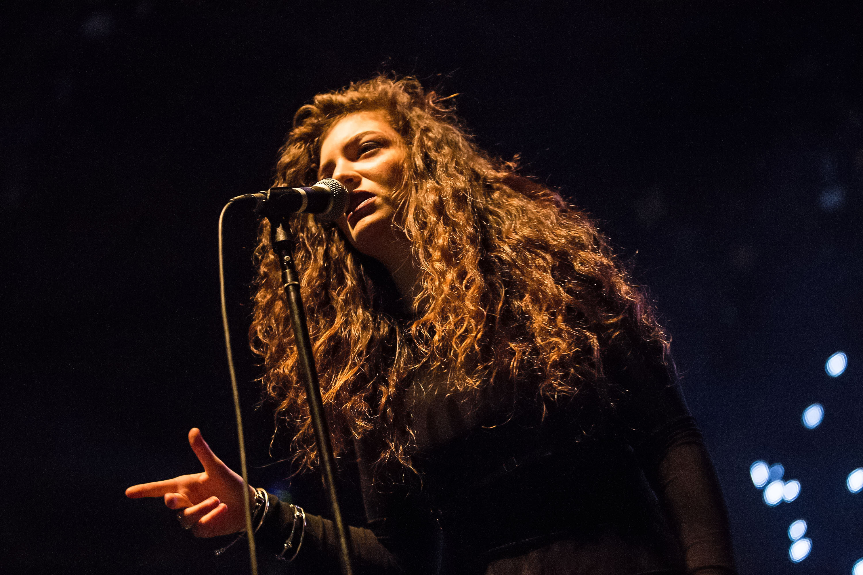 Lorde To Perform At Grammy Nominations Show With Katy Perry & Taylor Swift