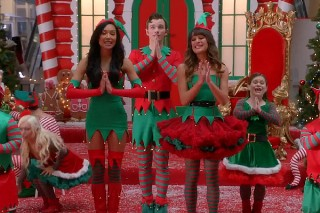 "'Glee' Recap: The ""Previously Unaired Christmas"" Episode Puts The ""F"" In Festive"