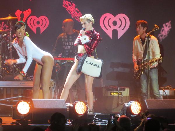 KIIS Jingle Ball 2013 Rolls Into Los Angeles: Tears, Audio Issues & Great Entertainment