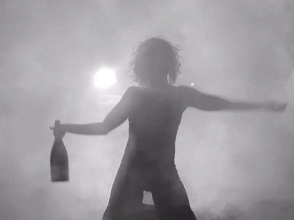 """Beyonce And Jay Z's """"Drunk In Love"""" Gets Hilarious 'What The Funny?!' Parody: Watch"""