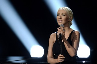 Christina Aguilera, Robin Thicke To Perform At 2014 New Orleans Jazz Festival