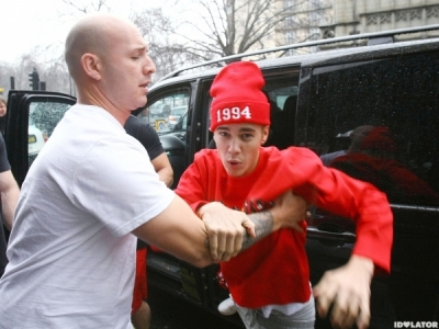 Egg-Gate: Justin Bieber's House Raided Over An Egging, His Friend Arrested For Cocaine Possession