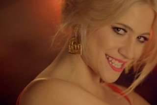 "Pixie Lott Unveils ""Nasty"" Video Teaser: Watch"