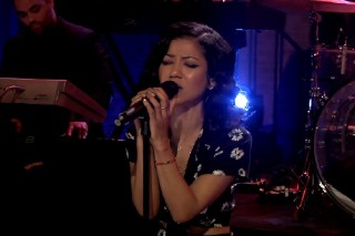"""Jhene Aiko Performs """"The Worst"""" On 'Jimmy Fallon': Watch"""