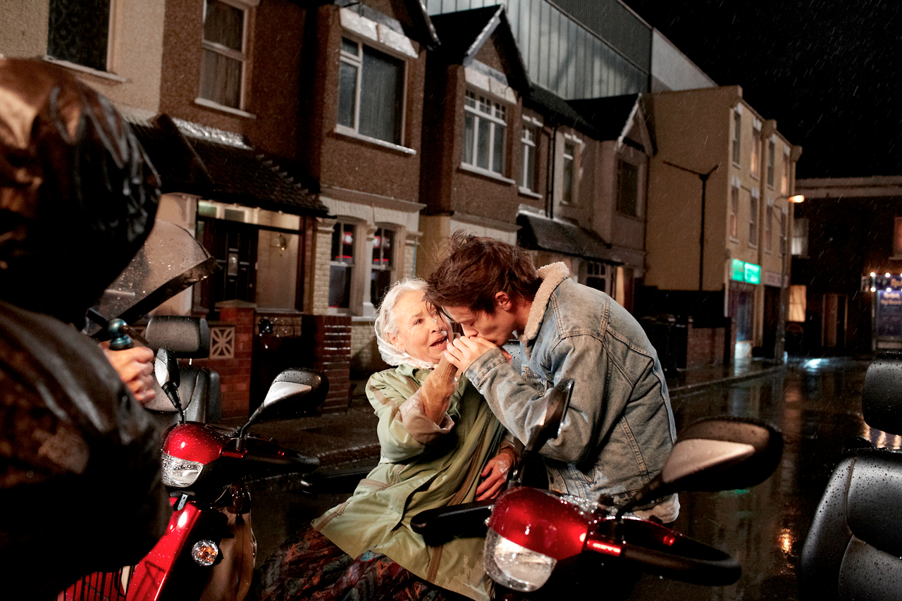 "One Direction's ""Midnight Memories"" Video: See Preview ..."
